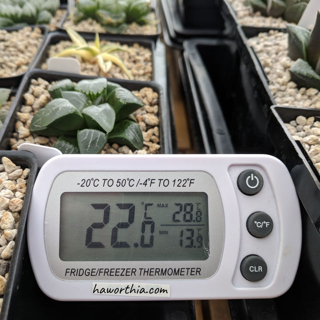 A thermometer that records the daily lowest and highest temperatures